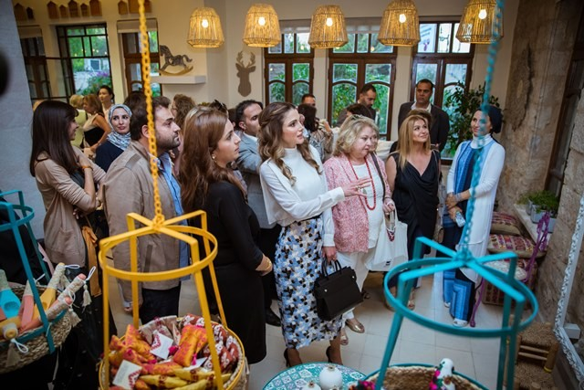 Queen Rania Inaugurates Jrf S 21st Annual Handicrafts Exhibition
