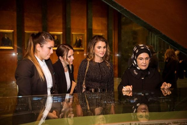 Queen Rania Meets With Turkish First Lady In Ankara Queen Rania